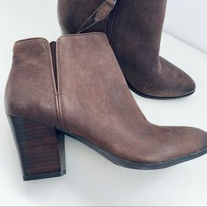 New Franco Sarto Ankle Boots Brown Leather